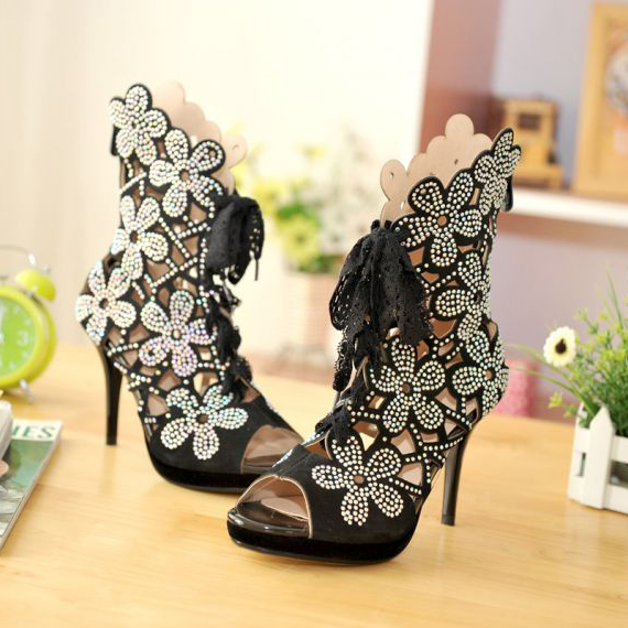 Amazing Tie Paillette Flower Design Thin Heel Sandals